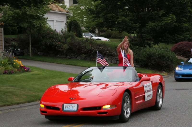 Ficca's Neighborhood Parade Miss Kitsap, Rachelle Jensen