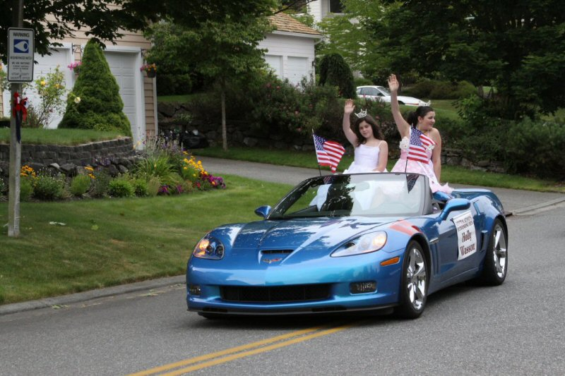 Ficca's Neighborhood Parade Central Kitsap Outstanding Teens